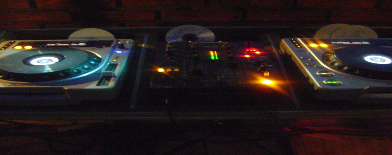 Foto DJ Home